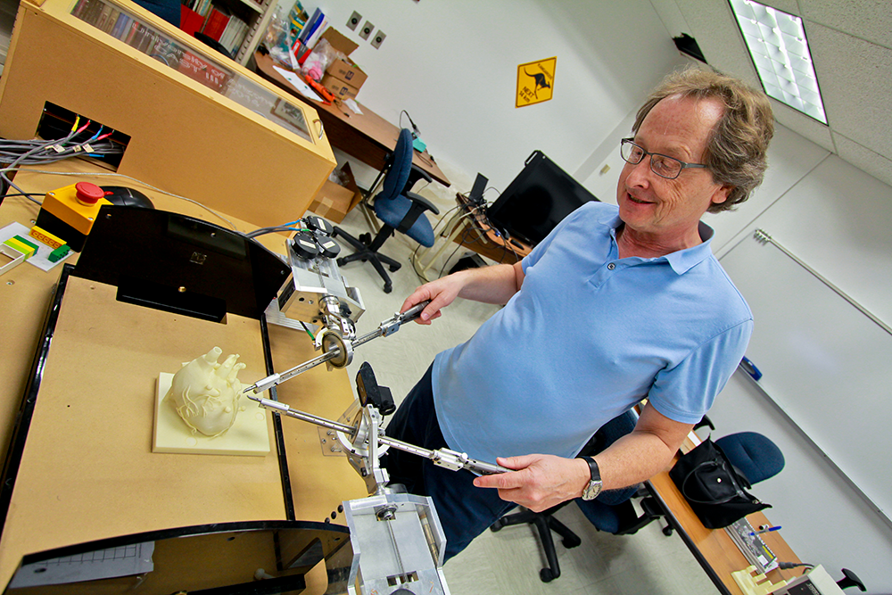 Jerzy Rozenblit, PhD, inventor of CAST, computer-assisted surgical training system. Photo: Pete Brown/UA College of Engineering